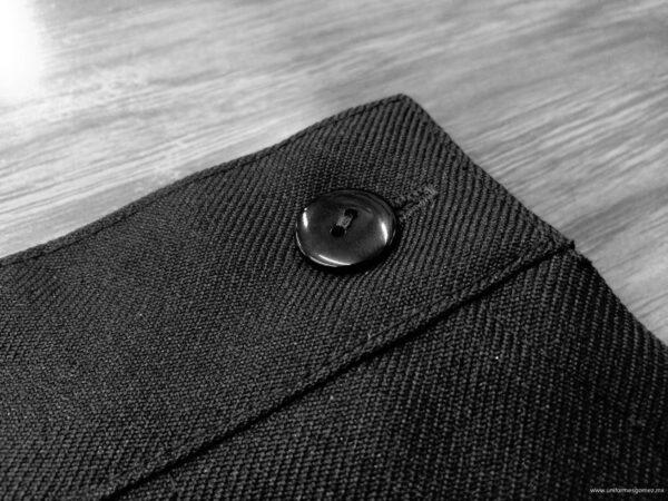 Falda uniforme escolar acercamiento